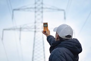 How To Measure EMF From Powerlines - Emfshieldguide.com